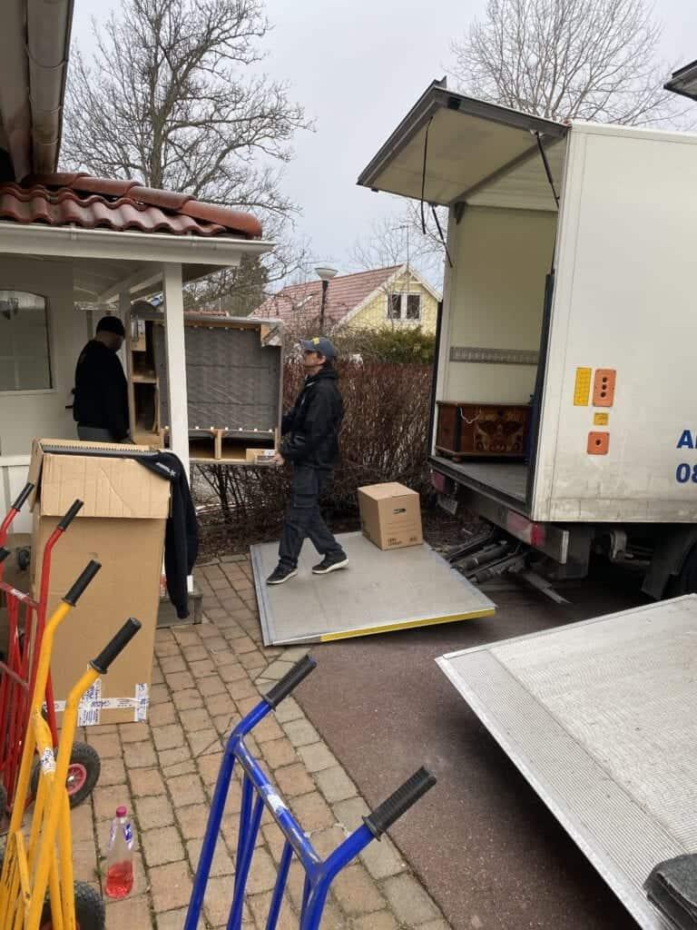 Flyttbilar och flyttpersonal Peter Åkare